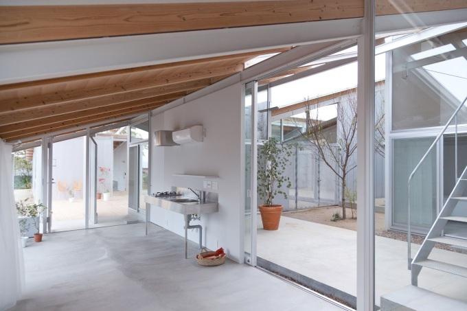 Kazuyo Sejima & Associates-Nishinoyama-House-03